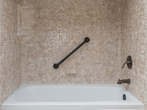 Bathroom Remodeling Bellevue NE | Universal RenovationsBathroom Remodeling Bellevue NE | Universal Renovations - 6