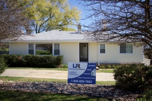 Vinyl Siding Contractors Lincoln NE - Universal Renovations - IMG_6245